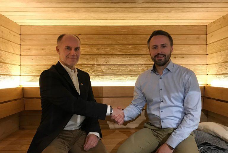 Harvia ja Kirittäret jatkavat yhteistyötään kaudella 2020. Sopimuksen jatkosta allekirjoittivat Kirittärien seurajohtaja Petri Kaijansinkko ja Harvian markkinointijohtaja Sami Linna.
