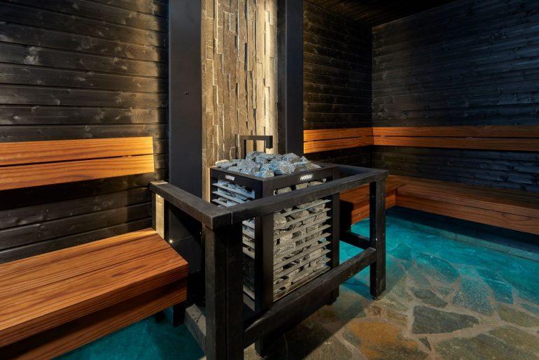 Esteetön sauna on turvallinen ja helppokäyttöinen