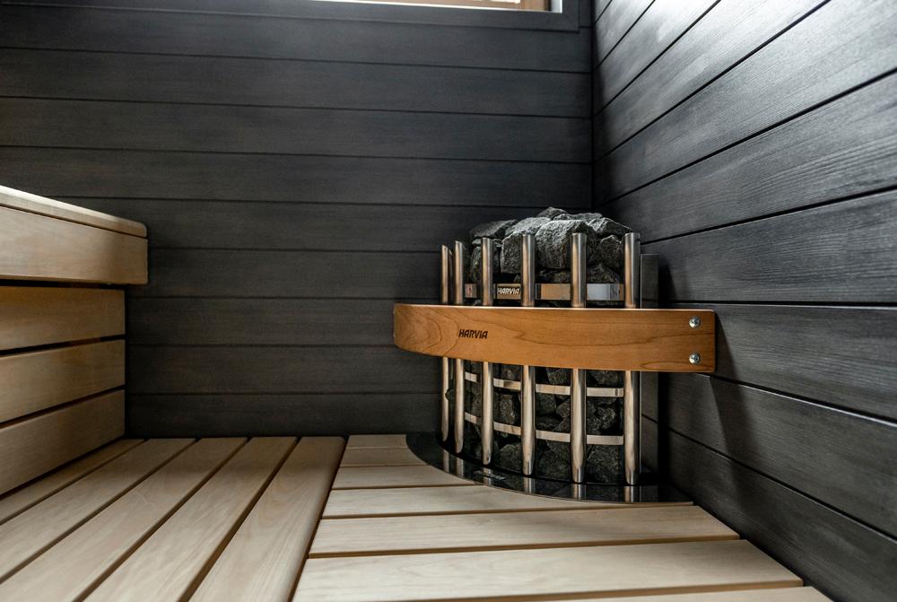 Harvia Glow Corner -kiuas Omatalo Kulman saunassa